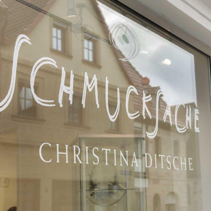 Schmucksache_2020022603